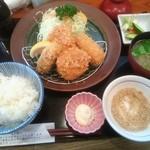 かつき亭 - 日替りランチ¥890   +牡蠣フライ¥170