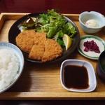 海鮮問屋 地魚屋 - 「鮪メンチカツ定食」750円也。税込。