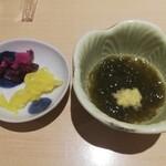 鮮魚・お食事処 山正 - 小鉢と漬物