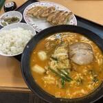 餃子の王将 - スタミナラーメンセット