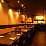 新宿東口個室食べ放題飲み放題コラーゲンしゃぶしゃぶ鍋 一蓮 - 落ち着いた店内