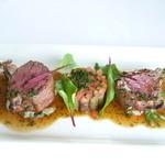 シェ・ヌゥ - オーストラリア産プレミアム骨付き仔羊背肉のロースト その軽い煮込み添え エストラゴンの香り(コースにプラス500円で)