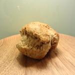 トースト ネイバーフッド ベイカリー - やっぱりプレーンスコーンは外せない