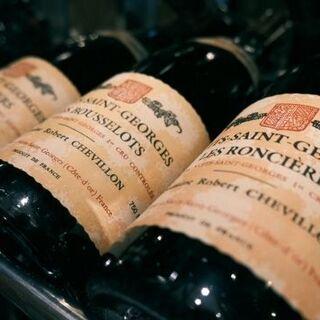 気軽に楽しめる定番のお酒から、リッチな高級ワインまで