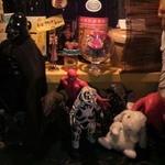 ジャンブジャンブ - カウンターの上の「おもちゃ箱?」
