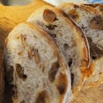 ベーカリーフェーブ - フランスパン 断面