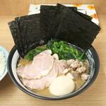 武蔵家 - 特別ラーメン 1000円
