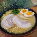 横浜家系ラーメン なぶら家 - 料理写真:なぶらスペシャル