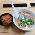 ら~めん山家 - 料理写真:醤油ら〜めん & ミニ豚丼