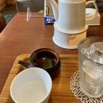 日本茶専門店 茶倉 - 大きなポット