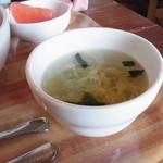 オグオグ カフェ - 卵スープ