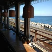 IO・ARIS いぶし屋 - 店内からは太平洋を一望できます