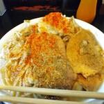 自家製太麺 ドカ盛 マッチョ - あっ!噴火したあ(°▽°)