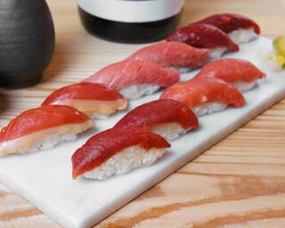 バル肉寿司 - 【テイクアウト】赤身5種盛り合わせ馬肉赤身×2・馬肉極上赤身×2・馬肉青森赤身×2・鴨燻製×2・ローストビーフ×2)