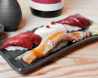 バル肉寿司 - 【テイクアウト】肉穴子と馬3種盛り合わせ(豚肉の肉穴子×1・馬肉赤身×2・馬肉えんがわ×2・馬肉極上赤身×2)