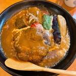 快食空間 makanaiya - ハンバーグ&牛タン