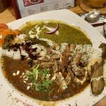 ARASH Exotic Dining - 2つの国の愛がけカレー ¥980