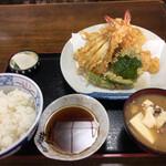 ほたて - 料理写真:上天ぷら御飯 1550円(税込)