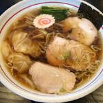 158252601 - ワンタン麺  1080円(°°;)