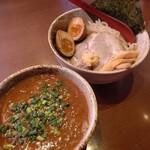 らーめん黒山 - 料理写真:札幌焙煎つけ麺╱830円