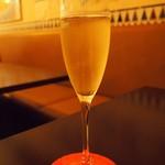 15827256 - スパークリングワイン.JPG