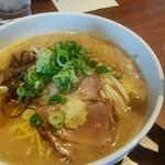 麺屋 はる吉 - 料理写真:みそ 830円