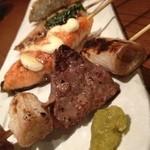 魚串さくらさく - まぐろほほにくネギマ、鮭のタルタル、すずきのバジル