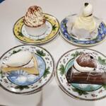 パティスリー ベルヴェール - 料理写真:ティラミス、モンブラン チーズケーキ、チョコレートケーキ