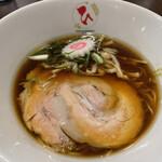 自家製麺 麺や ひなた - 料理写真:濃口醤油らーめん
