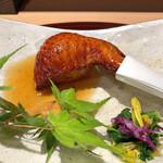 158311349 - 栗と雑穀米を詰めて揚げた手羽先 + 菊菜・春菊のおひたし(アップ)