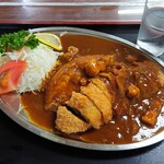 坂本食堂 - 料理写真:カツカレー 小盛り 880円