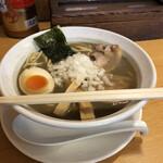 煮干そば とみ田 - 料理写真:半◯特煮干しそば、700円。
