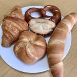 ブロート ドルフ - 料理写真:パン達