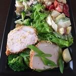 ペール - 料理写真:サラダ系3品とローストポーク