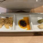 京都千丸しゃかりき - [季節限定]ローストビーフまぜそば 1,100円 (ニンニクチップ、ごま辣油、わさび・洋わさび)