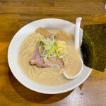 ラーメン 岩佐 - 料理写真:「塩とんラーメン」¥700