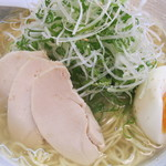 麺屋 廣島弐番 - 塩らーめん(大、ねぎ増)