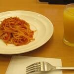 158361123 - トマトソーススパゲティとドリンクバー