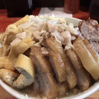 ラーメン二郎 - 料理写真:小ラーメン800円 豚6枚くらい300円