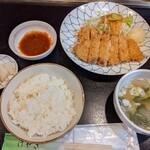 けやき - チーズカツ ランチ   (ライス、すいとん、お新香付き)   ¥968