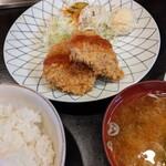 けやき - メンチカツ ランチ   (ライス、味噌汁、お新香付き )  ¥968