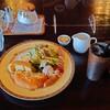 レイクルイーズ - 料理写真:レイクプレートとアイスコーヒー これ、ほとんどモーニングセットだろ? このセットで860円はコスパが悪いんじゃない?(笑)