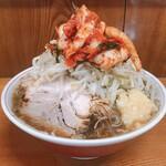 158395560 - ラーメン(ヤサイニンニクカラメ)+タマネギキムチ