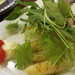 15840412 - 「本日のオススメのサラダ」は、ホワイトアスパラガスのサラダ