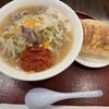 餃子とタンメン 天 - 料理写真:辛みを少しずつ溶かし…たいが勝手に溶けていく