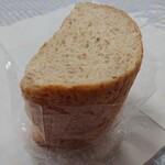 もっくるベーカリー - 料理写真:ライ麦パン(380円)