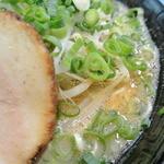 拉麺 空海 - ザラ感のある豚骨スープ。このスープ大好き。
