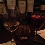 シンプルキッチン - 白ワイン(デキャンタ)とサングリア