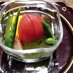 158431455 - ③野菜八寸(インカの目覚め、ミニ賀茂茄子、冬瓜、メロン胡瓜、おくら、鞘豌豆、フルーツトマト、無花果)                       野菜のマエストロ、石割さんの京野菜を使ったピアニッシモな野菜八寸、素晴らしい!