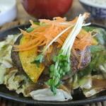 15844317 - ハンバーグのアップ。佐賀牛を使用されてるので肉の旨味を十分味わえます。